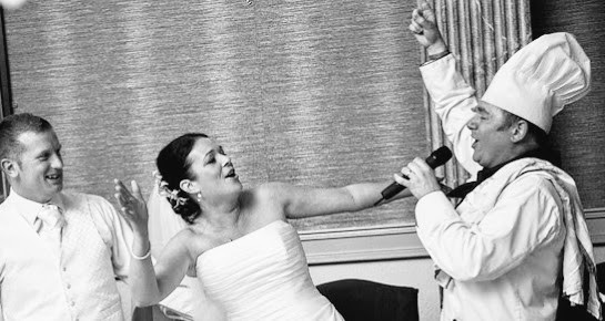 7 reasons to book singing waiters wedding entertainment
